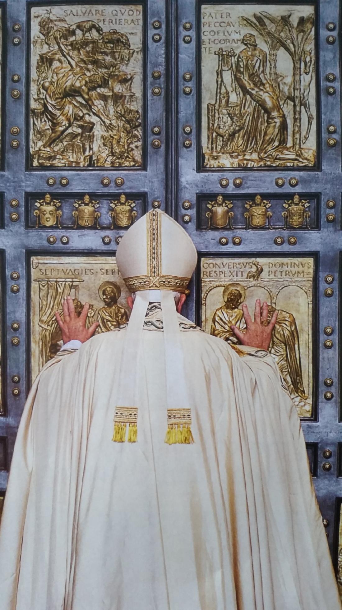 Pope_HolyDoor